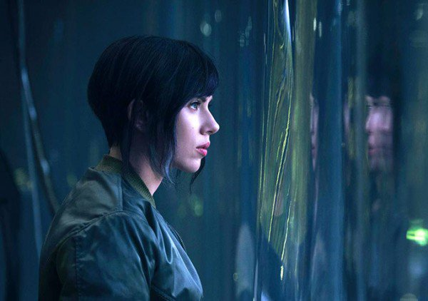 Ghost-in-the-Shell-Scarlett-Johansson-600x422
